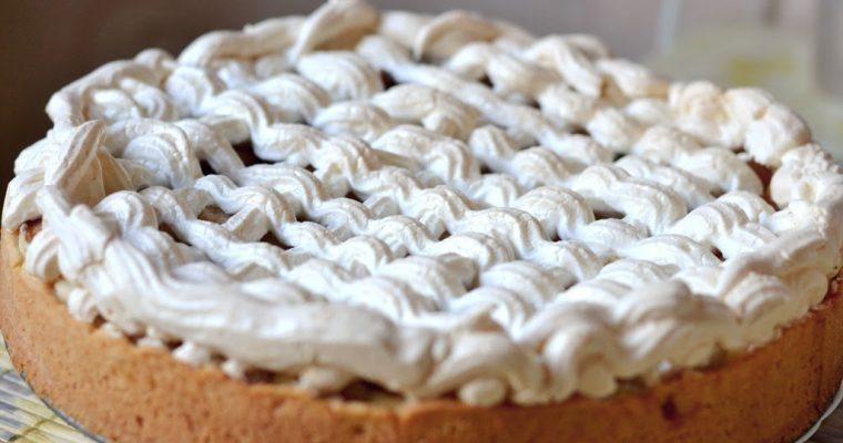Грушевый пирог с безе