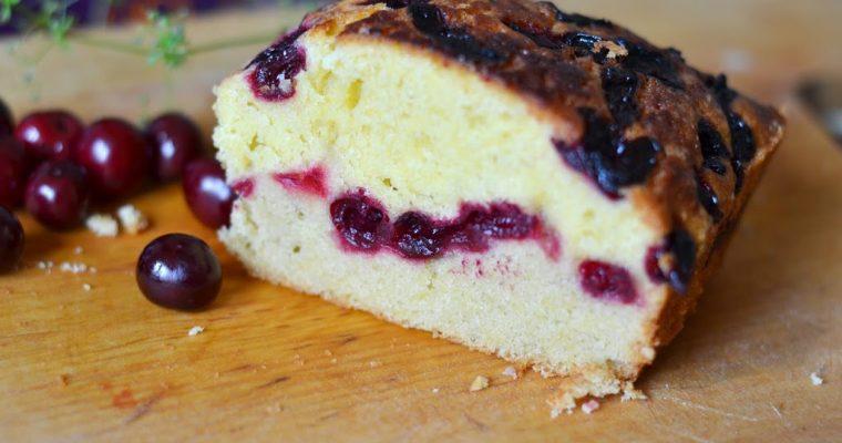 Быстрый пирог с вишней: простой рецепт на скорую руку