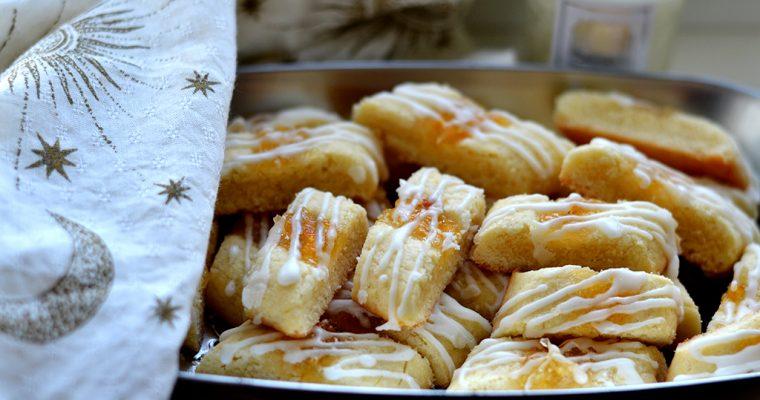 Печенье с джемом и глазурью